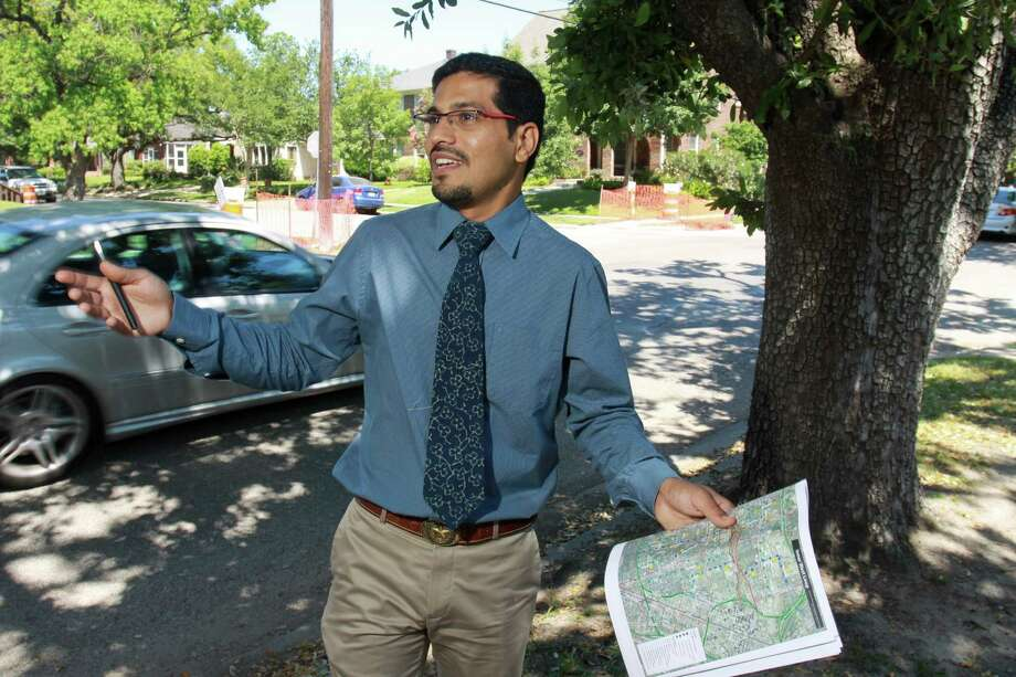"Amar Mohite, city transportation planning coordinator, says Dunlavy ""is not effectively working as a four-lane roadway."" Photo: Gary Fountain, Freelance / Copyright 2014 by Gary Fountain"