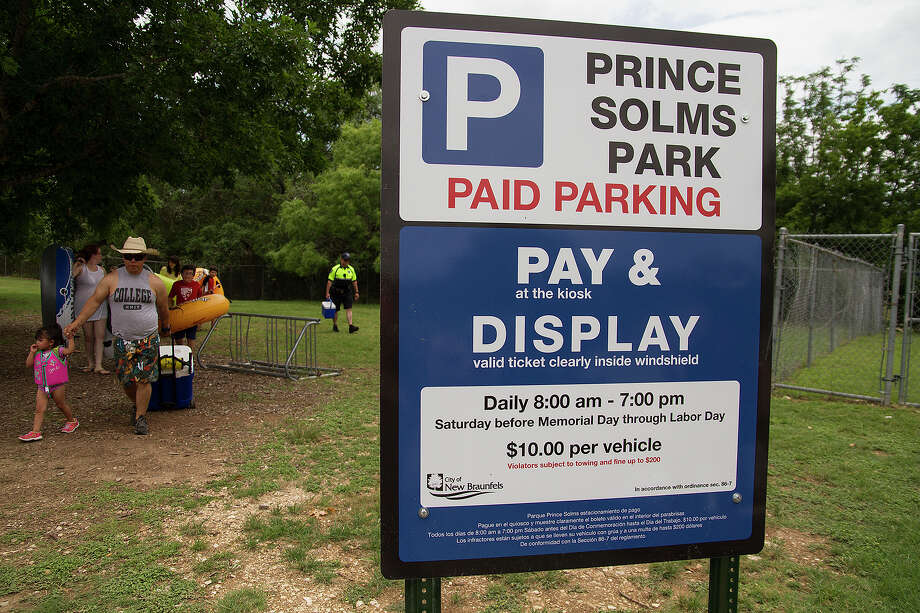 The city of New Braunfels now charging for parking Memorial Day weekend through Labor Day at Prince Solms Park, Sunday, May 25, 2014. Photo: Alma E. Hernandez, Alma E. Hernandez, For The Express-News