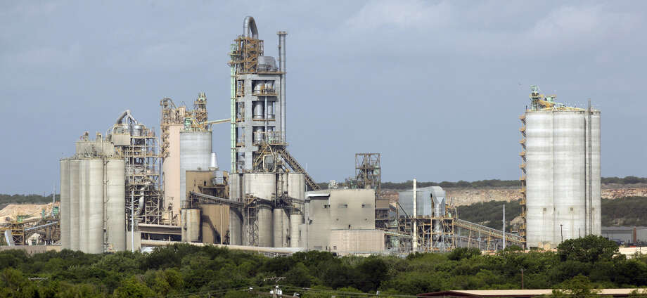 CEMEX Construction Materials Pacific faces a fine from the EAA of up to $278,478. Photo: San Antonio Express-News File Photo / TREEL@EXPRESS-NEWS.NET