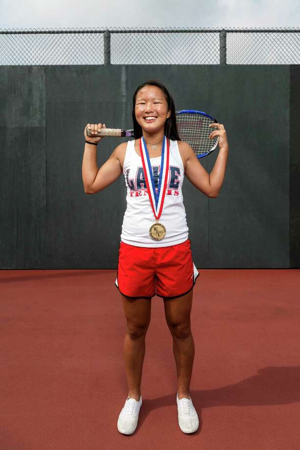 Clear Lake's Janice Shin won the gold medal in her first season of high school tennis. Photo: TODD SPOTH, Photographer / © TODD SPOTH