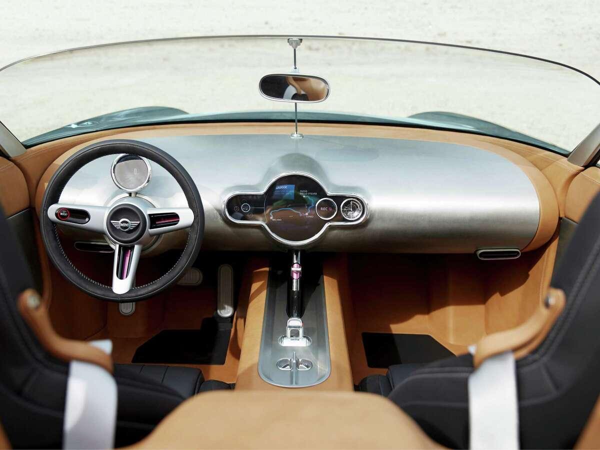 The MINI Superleggera Vision makes its debut at this years' Concorso d'Eleganza Villa d'Este in Lake Como, Italy.