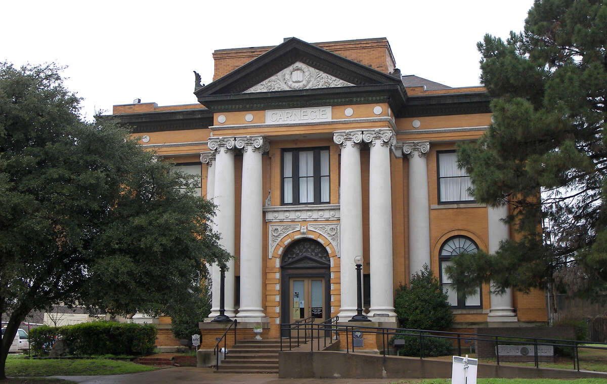 9. Cleburne Odds of being a victim of violent crime: 1 in 205 inhabitants Commute time: 23.5 minutes Average hours worked per week: 40.6 hours Percentage of divorcees: 10.1 percent of males, 16.1percentof females Percentage of income spent on housing: 22percent In this photo, the Carnegie Library in Cleburne, Texas.