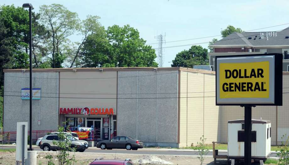 Dollar General recently opened a new store on Fairfield Avenue in Bridgeport, Conn. The locations is close to two Family Dollar stores including one almost directly across the street on John Street. Photo: Autumn Driscoll / Connecticut Post