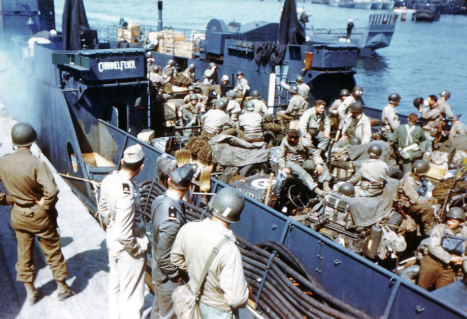 Operation Overlord Normandy, Soldiers of the 1st Infantry Division of the United States Army have boarded the Landing Craft Transport (LCT) named ëChannel Feverí ) in Southern England. 5th June 1944. They are ready for the landing in France. The 1st Division was one of the two divisions that stormed Omaha Beach in Normandy, France on D-Day suffering high casualties. Dorset, United Kingdom. Photo: Galerie Bilderwelt, Getty Images / 2010 Galerie Bilderwelt