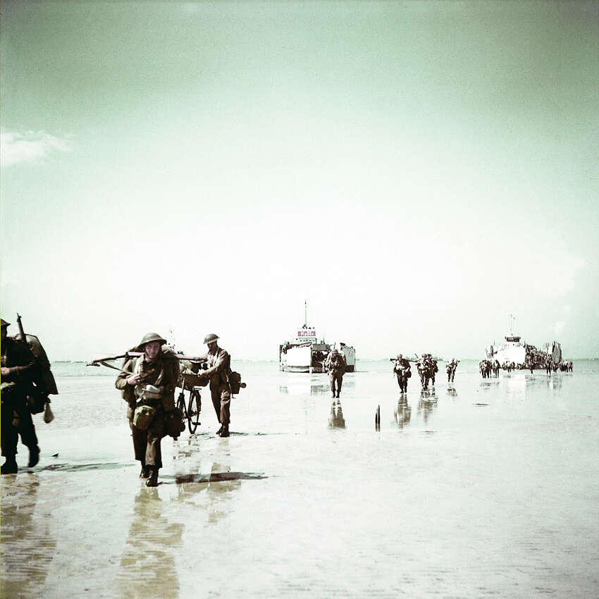 Operation Overlord Normandy, Troops of the 3rd Canadian Infantry Division are landing at Juno Beach on the outskirts of Bernieres-sur-Mer on D-Day. 6th June 1944. 14,000 Canadian soldiers were put ashore and 340 lost their live in the battles for the beachhead. France.