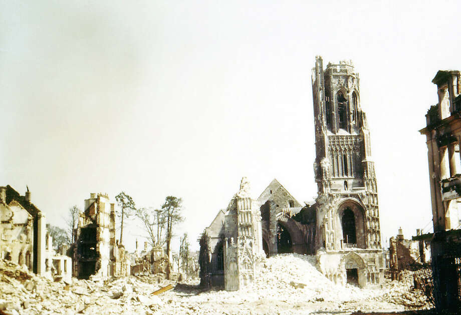 Operation Overlord Normandy, The church Notre Dame has been heavily damaged during the attacks on Saint-Lo. August 1944. The town was almost totally destroyed by 2,000 Allied bombers when they attacked German troops stationed there during Operation Overlord in June. France. Photo: Galerie Bilderwelt, Getty Images / 2010 Galerie Bilderwelt