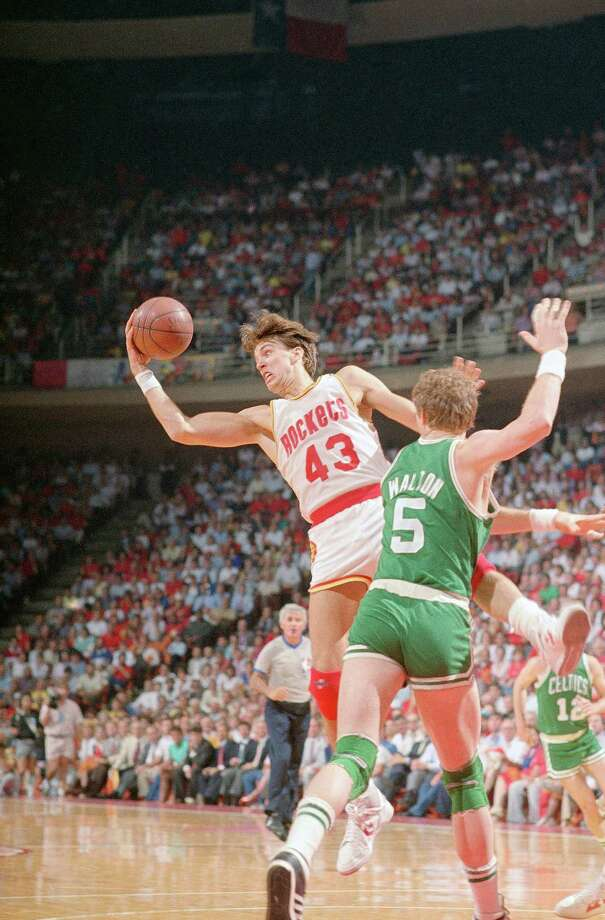 43 - Jim Petersen The Rockets drafted Petersen in the third round of the 1984 draft, and he was the starting power forward on the 1986 Finals team. He averaged 7.6 points and 5.2 rebounds in four seasons with the Rockets. Photo: Anonymous, AP / AP1986