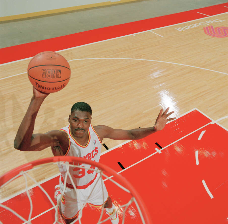 The 1993-94 season turned out to be a Dream season for Hakeem and the Rockets. Photo: Dave Einsel, Chronicle File