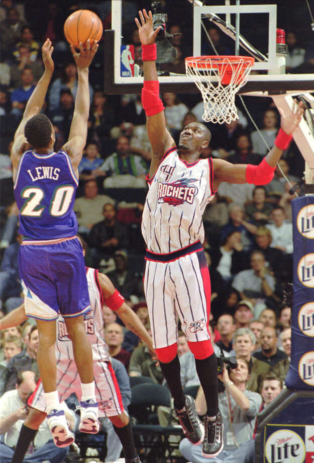 Hakeem averaged 3.1 blocks per game during his career. Photo: Tim Johnson, Associated Press