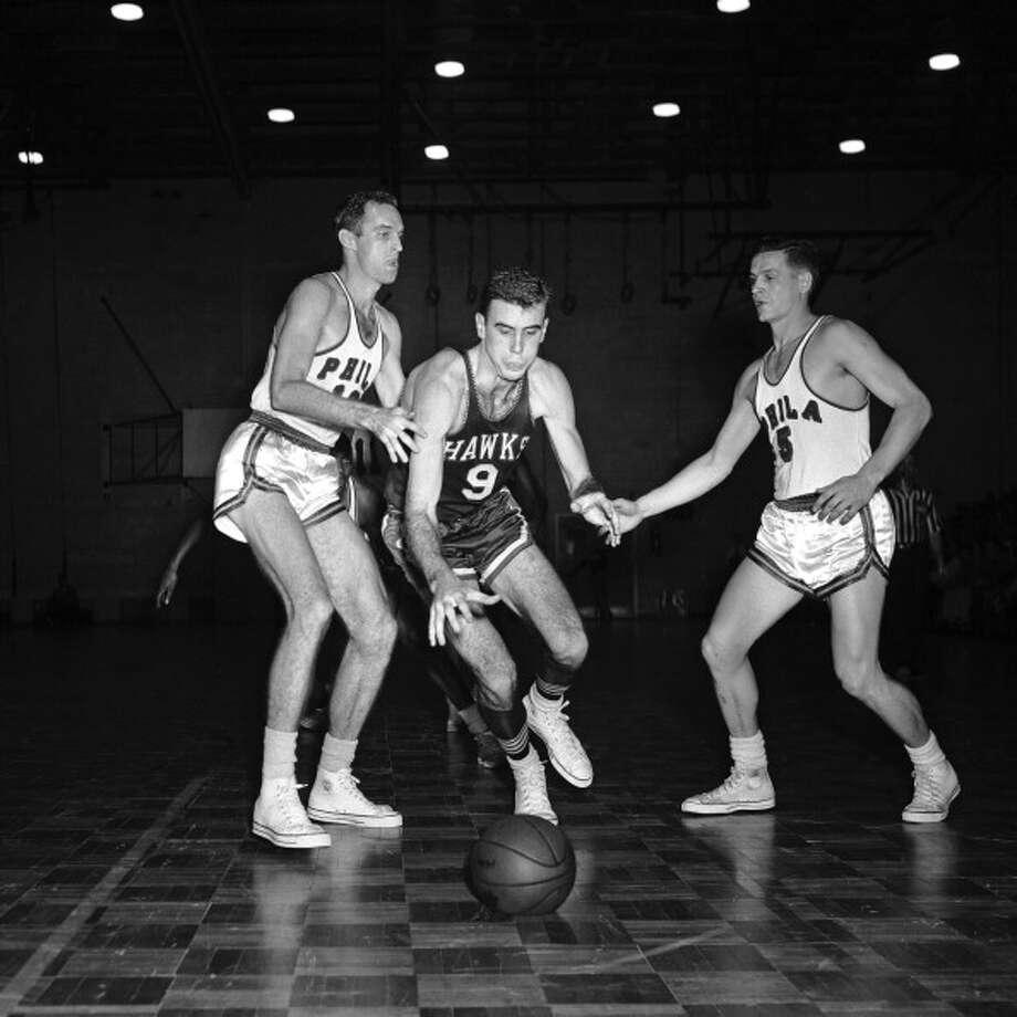 1958-59 — Bob Pettit, St. Louis Photo: Charles T. Higgins, NBAE/Getty Images / 2013 NBAE