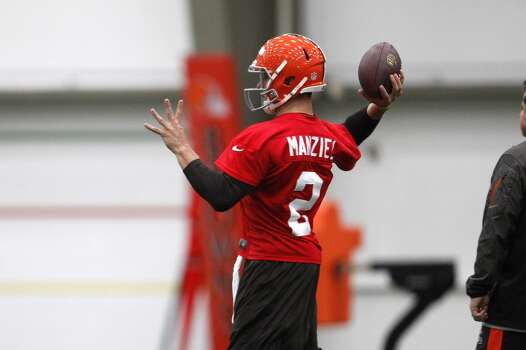 BEREA, OH - MAY 17:  Cleveland Browns draft pick Johnny Manziel #2 throws during the Cleveland Browns rookie minicamp on May 17, 2014 at the Browns training  facility in Berea, Ohio.  (Photo by David Maxwell/Getty Images) Photo: David Maxwell, Getty Images