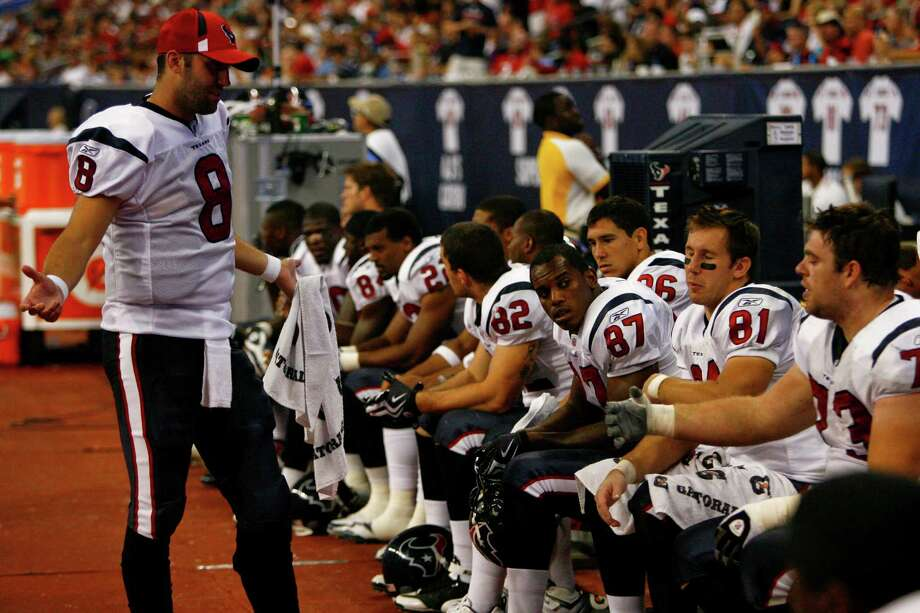 Texans quarterback Matt Schaub (8) tries to rally his team during the second quarter of a pre-season NFL football game at Reliant Stadium Saturday, Aug. 22, 2009, in Houston. Photo: Michael Paulsen, Houston Chronicle / Houston Chronicle