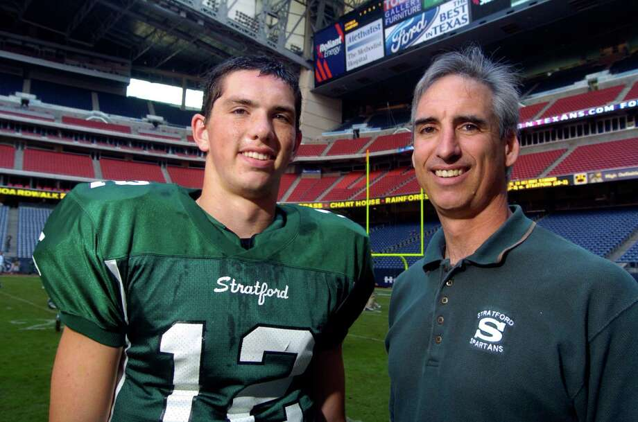Ex-Houston Oiler backup quarterback Oliver Luck, with his son, Andrew Luck, quarterback for Stratford High School before a playoff game against Cypress Falls at Reliant Stadium, Saturday, Nov. 25, 2006. (Johnny Hanson for the Houston Chronicle) (Oliver Luck 713-419-9451) Photo: Johnny Hanson, For The Chronicle / Freelance