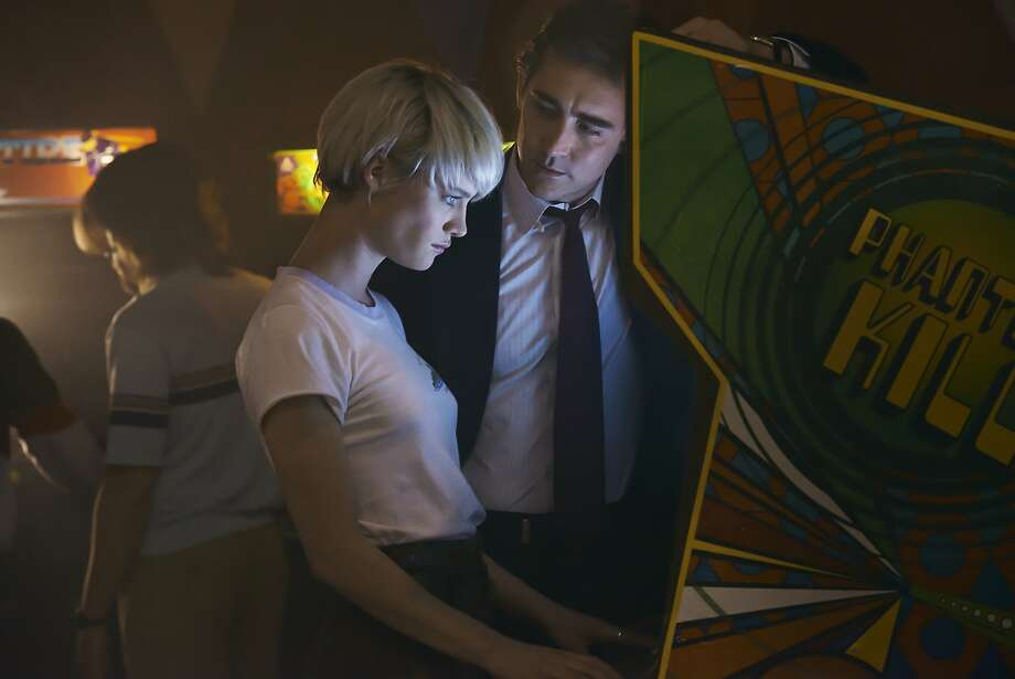 "Arcade whiz Cameron Howe (Mackenzie Davis) hooks up with Joe MacMillan (Lee Pace) in the tech world drama ""Halt and Catch Fire."" Photo: James Minchin III, AMC"