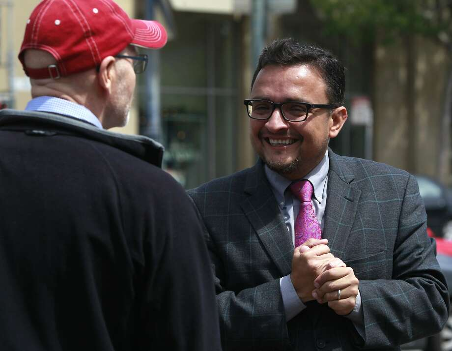 David Campos is trailing David Chiu. Photo: Paul Chinn, The Chronicle