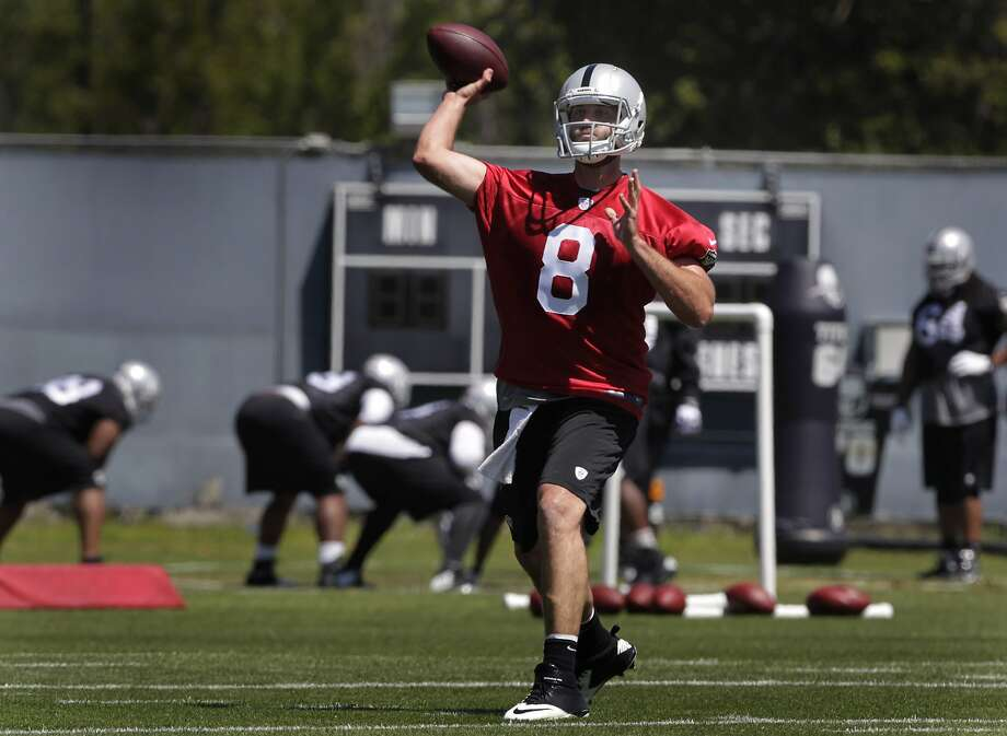 Matt Schaub has been working out and meeting teammates since his arrival about six weeks ago, but an offseason workout in Alameda marked his first chance to take the practice field. Photo: Paul Chinn, The Chronicle