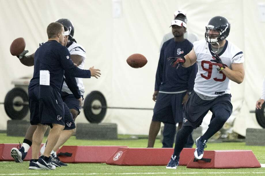 Texans defensive end Jared Crick (93) runs a drill. Photo: Brett Coomer, Houston Chronicle