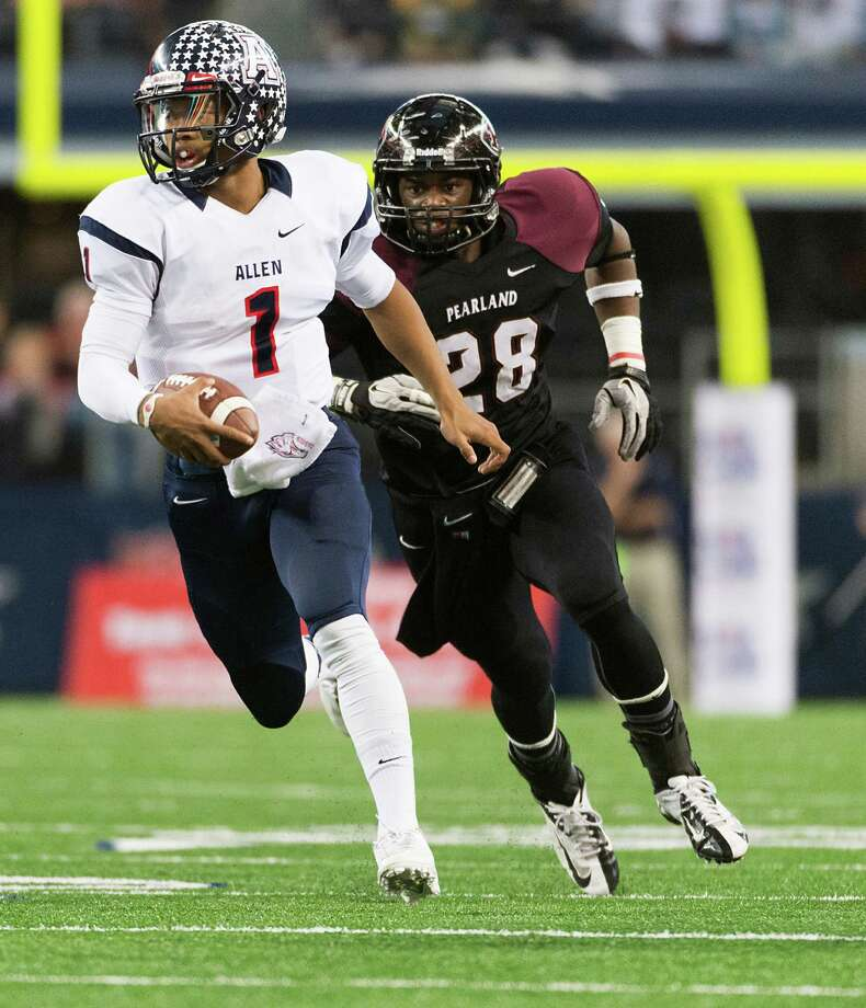 Allen quarterback Kyler Murray (1) races past Pearland defensive back Marlon Walls (28) during the first half of the Class 5A Division I State Championship game at AT&T Stadium Saturday, Dec. 21, 2013, in Arlington.  ( Smiley N. Pool / Houston Chronicle ) Photo: Houston Chronicle / © 2013  Houston Chronicle
