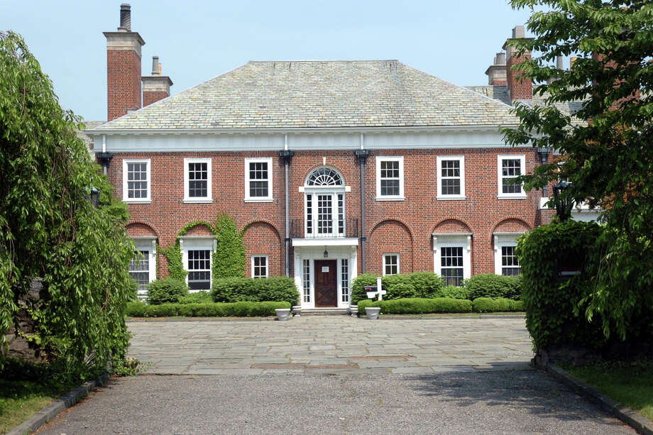 The Chimneys, a mansion at 124 Old Battery Rd. in Bridgeport, will be the site of the third Vines & Vignettes Spring Garden Fantasy Experience on Saturday, May 31. Photo: Ned Gerard / Connecticut Post