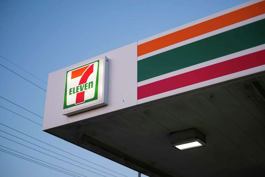 In this file photo a sign for the popular convenience store chain 7 Eleven. Photo: Zachery Jensen, Ap / © 2013 ZTJ
