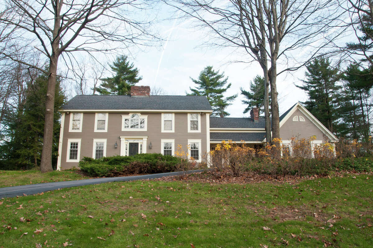 House of the Week: 971 Gloucester Place, Niskayuna | Realtor: For sale by owner | Discuss: Talk about this house