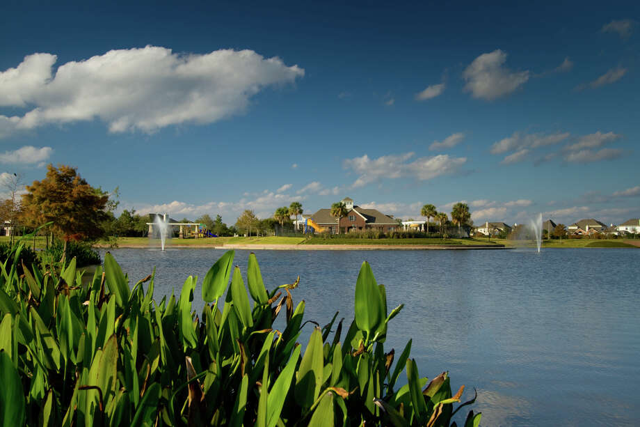 Lakes of Savannah is known for its new homes and amenities, and a prime location that provides easy access to major roadways, employment, medical and retail centers. Photo: Carson Coots 832-755-1312 / Carson Coots