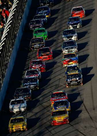 Daytona Beach Fl February 14 Kevin Harvick Leads A Pack In His