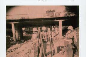 INSTANTS-- Museum Reach construction in the San Antonio River. Nicole Fruge/San Antonio Express News