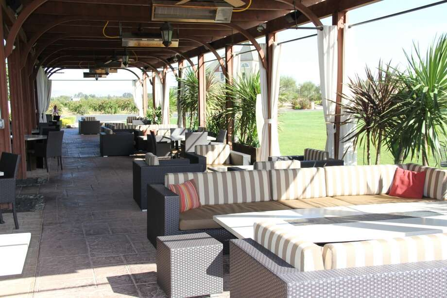 The covered outdoor patio at Underdog Wine Bar & Lounge in Livermore. Photo: Courtesy OpenTable