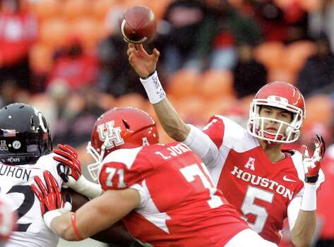 John O'Korn and the Coogs went 5-3 in conference play in 2013. Photo: J. Patric Schneider, For The Chronicle / Ã  2013 Houston Chronicle