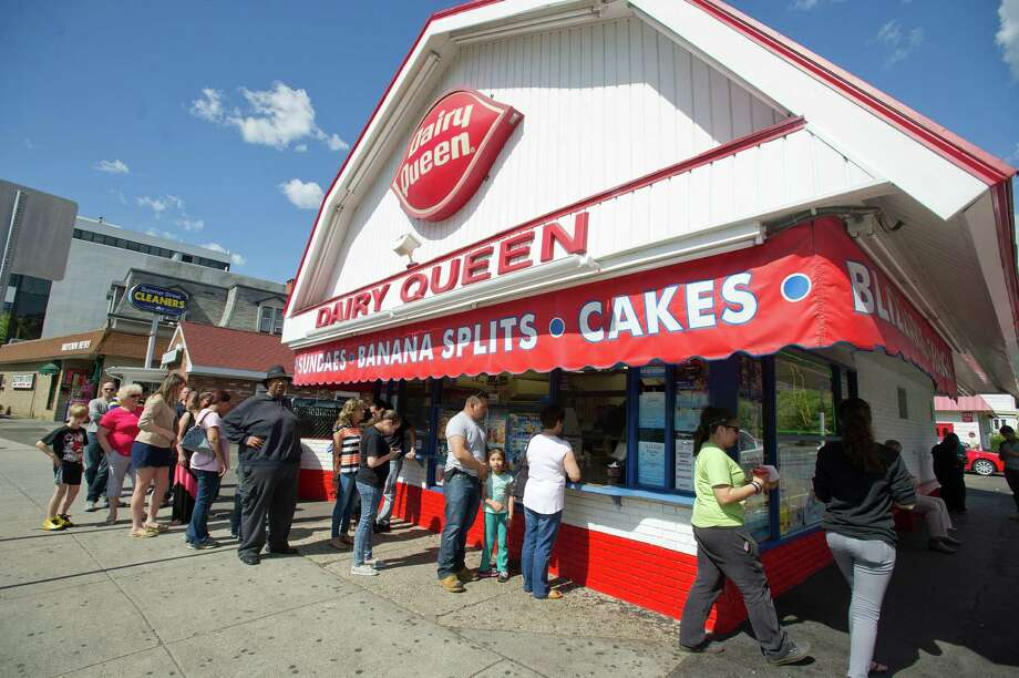 A line forms at Dairy Queen in Stamford, Conn., on Friday, May 30, 2014. Photo: Lindsay Perry / Stamford Advocate