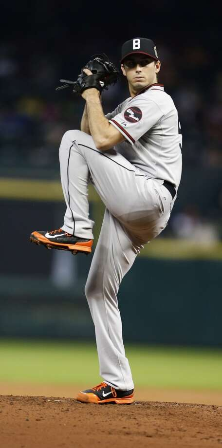 Orioles starting pitcher Miguel Gonzalez pitches during the third  inning. Photo: Karen Warren, Houston Chronicle