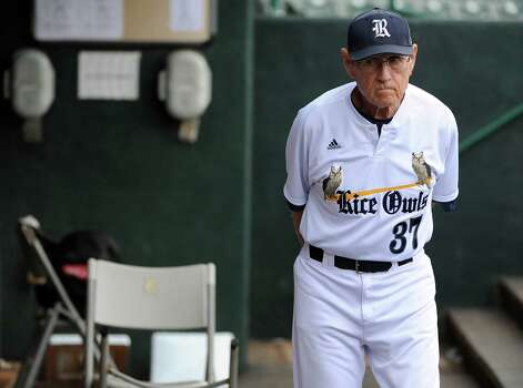 Rice head coach Wayne Graham paces the dugout during a weather delay before a Houston NCAA baseball regional game against George Mason, Friday, May 30, 2014, at Reckling Park in Houston. Photo: Eric Christian Smith, For The Chronicle
