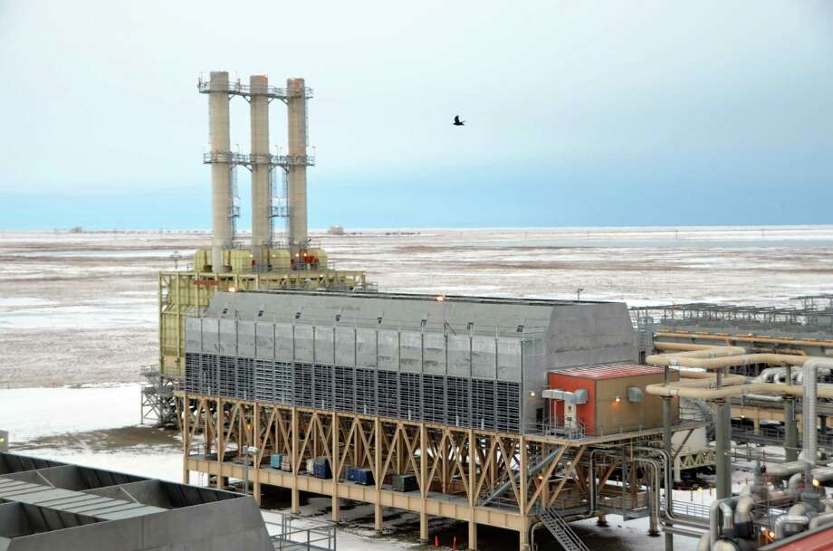 BP operates this natural gas facility on BP's Prudhoe Bay oil field in Alaska. After separating out oil and water, gas is sent to the facility for further processing. There, natural gas liquids are extracted. Photo: Jennifer A. Dlouhy / Houston Chronicle