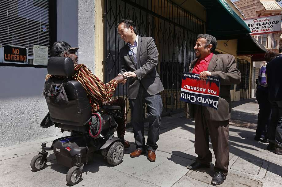 David Chiu, a candidate for Assembly, meets with voters in the Bayview district on the final weekend campaign push. Photo: Michael Macor, The Chronicle
