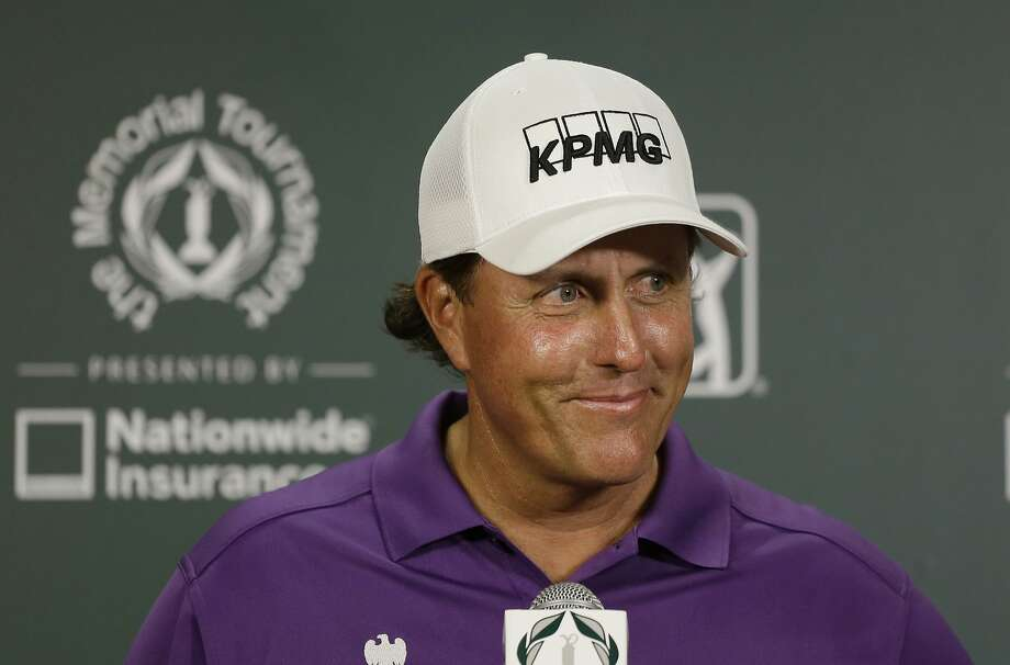 Phil Mickelson says he has done nothing wrong. Photo: Darron Cummings, Associated Press