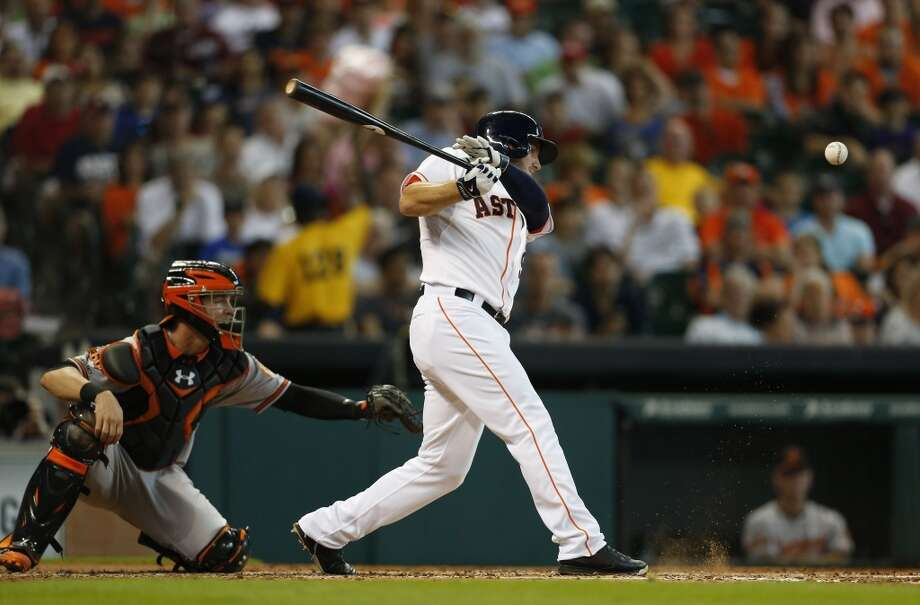Astros left fielder Robbie Grossman (19) singles during the second inning. Photo: Karen Warren, Houston Chronicle
