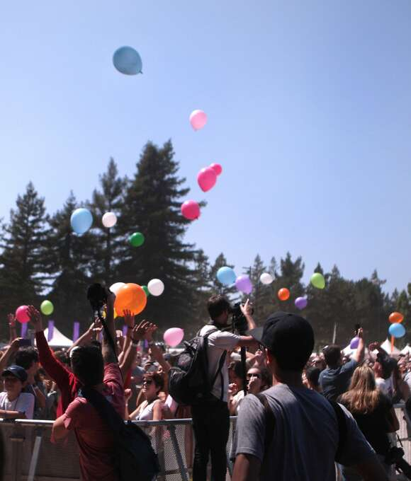 Photographers scambled to capture fans releasing balloons during Matt and Kim's performance at the 2014 Bottlerock Napa Valley music, food and wine festival on Saturday, May 31, 2014 in Napa, Calif. Photo: Kevin N. Hume, The Chronicle
