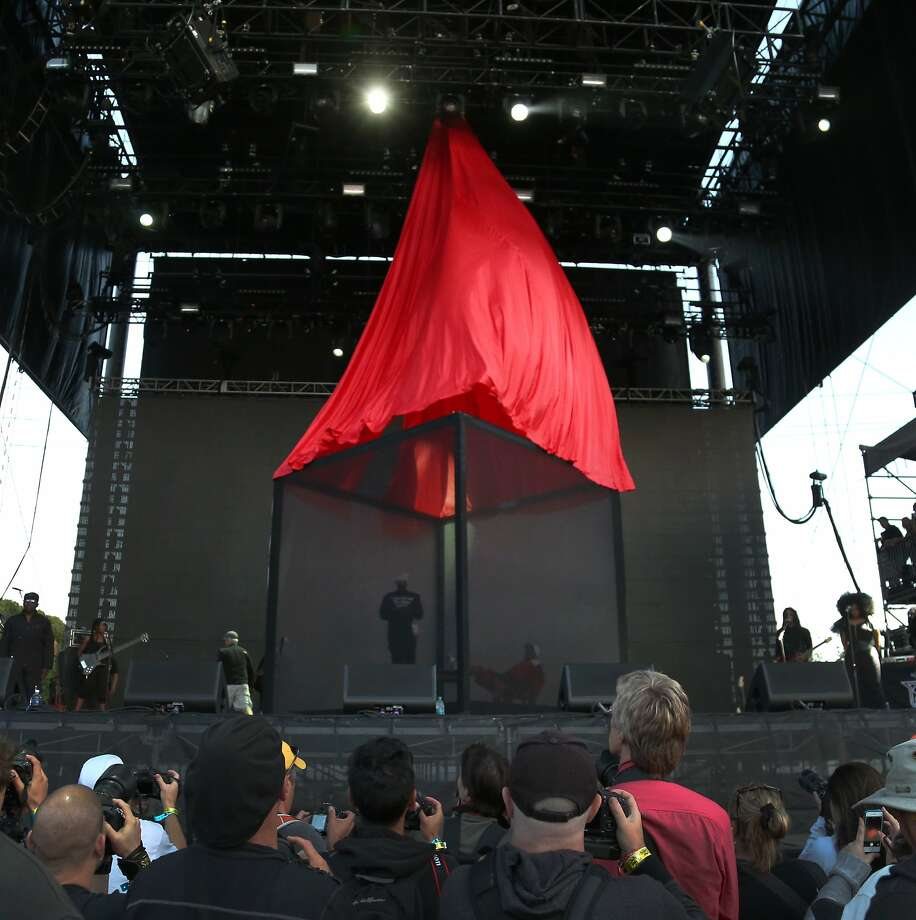 A giant red curtain is pulled up to reveal Outkast as the hip-hop duo begins their performance at the 2014 Bottlerock Napa Valley music, food and wine festival on Saturday, May 31, 2014 in Napa, Calif. Photo: Kevin N. Hume, The Chronicle