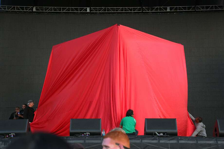 A giant red curtain covers a part of the Toshiba Stage before Outkast performs at the 2014 Bottlerock Napa Valley music, food and wine festival on Saturday, May 31, 2014 in Napa, Calif. Photo: Kevin N. Hume, The Chronicle