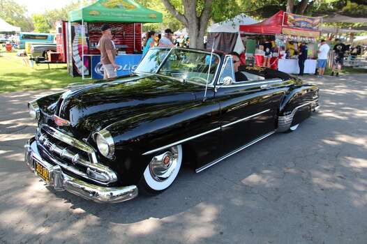 1952 Chevrolet, lowered on its suspension. Juan Castillo, Tracy.