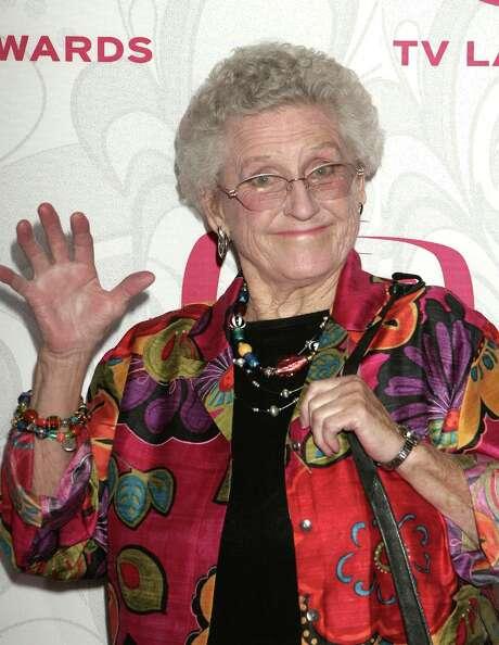 "Actress Ann. B Davis, who played Alice Nelson on the ""Brady Bunch"", has died. She was 88. Here, Davis is seen at the 5th Annual TV Land Awards held at Barker Hangar in Santa Monica, Calif., on Apr 14, 2007. (Paul Fenton/Zuma Press/MCT) Photo: Paul Fenton, McClatchy-Tribune News Service / Zuma Press"