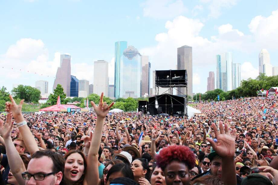 "Best thing overheard in the Summer Fest crowd: ""Mom, what time do the Ying Yang Twins come on?"" Photo: Jorge Valdez/For The Houston Chronicle"