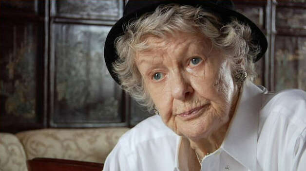 """Elaine Stritch: Shoot Me ""(2013) – Still refreshingly caustic at 87, Broadway legend Elaine Stritch looks back on her life and career in this feature-length portrait composed of candid reflections, rare archival footage and testimonials from her dearest friends. Available June 24 Photo: Netflix"