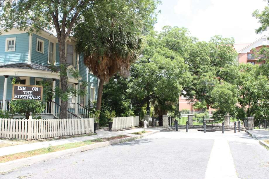 The Inn on the Riverwalk, 129 Woodward Place, is for sale for $1.5 million. Photo: Rebecca Salinas, MySA.com