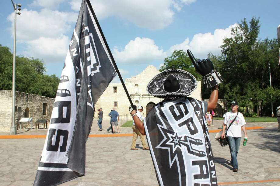 """4. Your Spurs flagBecause what would Spurs Nation be without a flag to beautifully wave along to the melodic tune of """"GO SPURS GO?"""" Photo: Libby Castillo"""