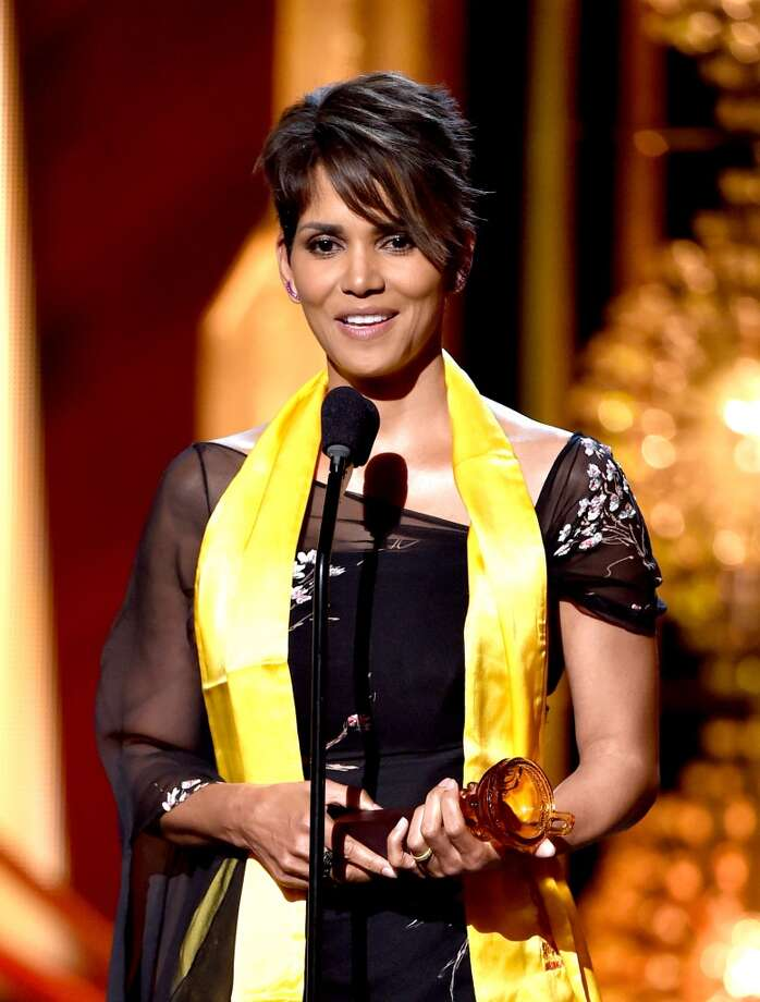Actress Halle Berry accepts the Global Movie Icon Award at the 2014 Huading Film Awards at The Montalban Theatre on June 1, 2014 in Los Angeles, California. Photo: Kevin Winter, Getty Images
