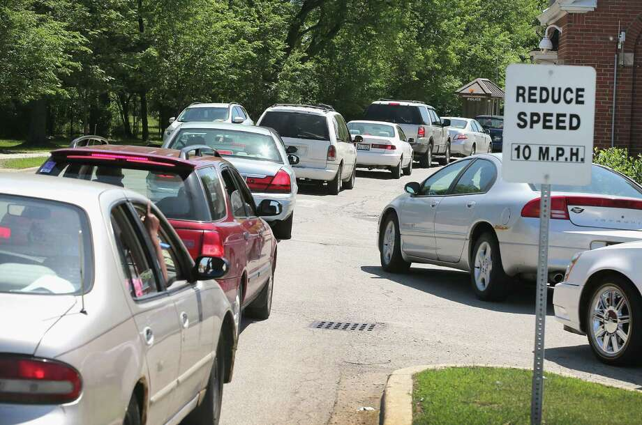 Traffic backs up as patients arrive at Edward Hines Jr. VA Hospital in Hines, Illinois. Problems at VA hospitals can be traced to lack of funding and to policies backed by Congress. Photo: Scott Olson / Getty Images / 2014 Getty Images