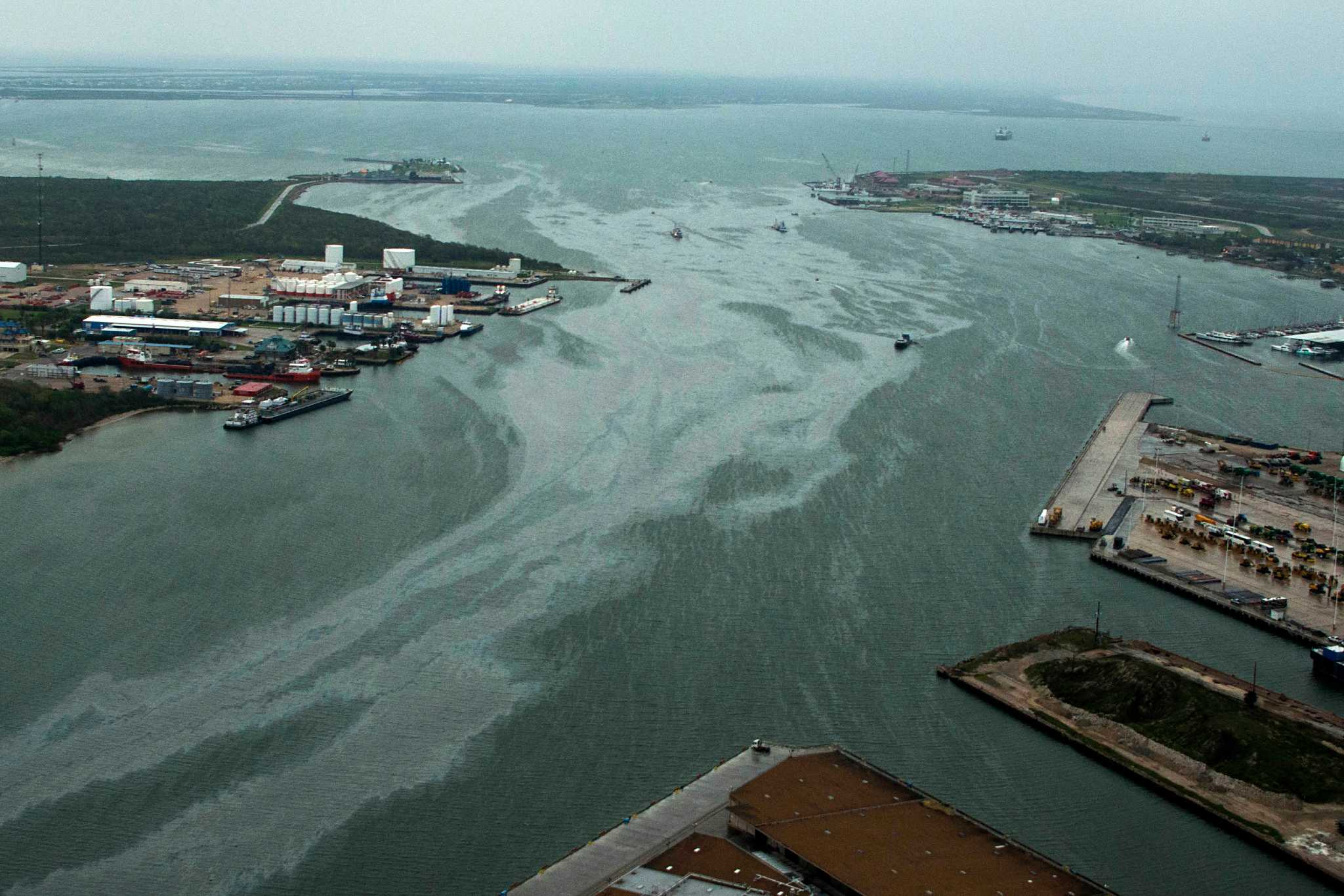 Hearings begin on cause of collision, oil spill - Houston ...