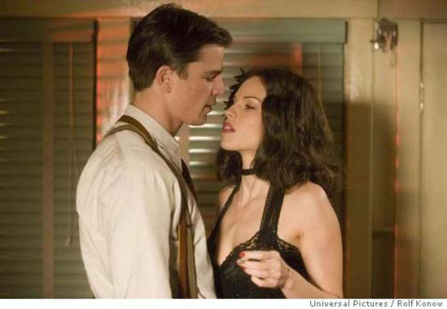 Hilary Swank, as a femme fatale in THE BLACK DAHLIA (2006), seemed about as deadly as a lawn chair.
